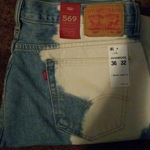 Men's Bleach Stain 569 Levis Jeans